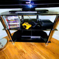 Large house let near Wolverhampton FC with Playstation