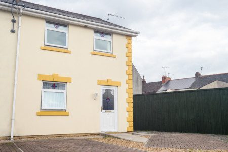 Merriotts, by Tŷ SA - 3 Bed House with Two Off Road Private Parking