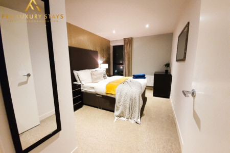 ☆ Manchester 2 Bed Apartment - Secure Parking ☆