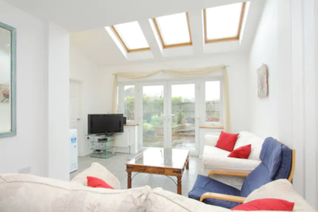 4 Bedroom House Andover Ideal for contractors!