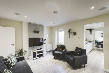 4-BED HOUSE | IDEAL FOR CONTRACTORS | SLEEPS 8