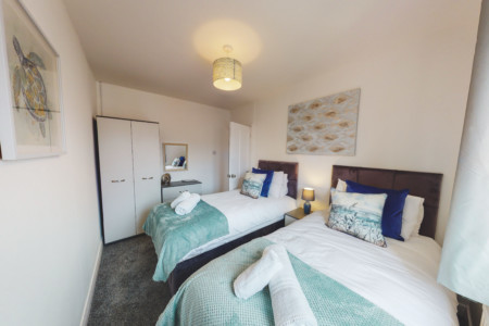 ⭐️PRISTINE 3-BED HOME⭐️IDEAL FOR GROUPS⭐️FREE PARKING