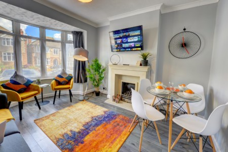 Ashington Home Coventry - Luxury 4 Bedroom House by Passionfruit Properties